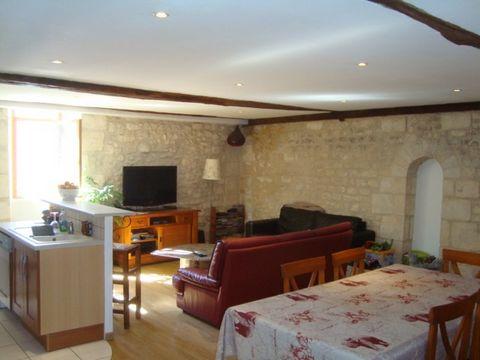 BOURGES Centre ville, Appartement T3 3 Room (s) 90 m², 1st Floor, 2 Bedrooms.