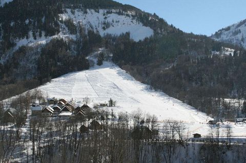 The Residence les Chalets de Belledonne in the ski resort of Saint Colomban des Villards is 150 from the ski slopes and shops. There is an indoor/outdoor pool and sauna in the residence which is made up of 13 chalets with 4 apartments per chalet. The...
