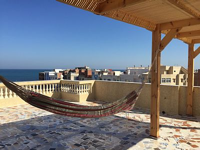 35 km Tangier Morocco. Located 5 minutes walk from Bab Homer. 55 m² apartment equipped with ocean view, located on the 2nd floor of a family building of 3 floor (terrace on the 3rd floor).