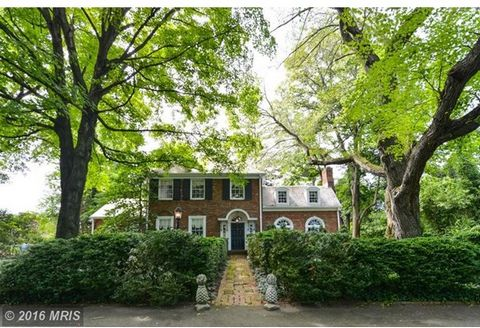 Circa 1870, Cranford Is Located On One Of The Highest Points in Alexandria On Just Over One Acre Of Land. This Gracious Home Is Sited On What Was Part Of The Defense Complex To Protect The City Of Washington During The Civil War. Special Features Inc...