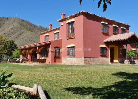Equestrian Finca with breathtaking views of the bay of Malaga, featuring a villa and a cottage (for the caretakers of the estate), swimming pool, garden, fruit trees, a small pond and impeccable facilities for riding without leaving home . VILLA: Vil...