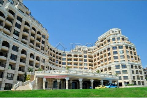 Varna. Spacious 2-bedroom apartment with stunning SEA View in Cabacum Beach Residence, Golden Sands For sale is a two-bedroom apartment with sea view located on the tenth floor in Cabacum Beach Residence, Golden Sands. This is a luxurious gated compl...