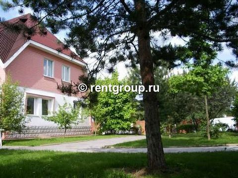 Stone Cottage 360 sq.m. Located in New Moscow to Kiev highway 57 km., 35 km from Moscow, 15 minutes from the airport
