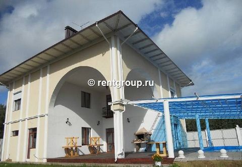 Two-level cottage with the area of 600 sq. m. In the cottage: the large drawing room of 120 sq. m. with the equipped kitchen, 2 washrooms, sauna, domestic cinema (DVD, karaoke), 7 bedrooms, each of which equipped with separate washroom. In the sectio...