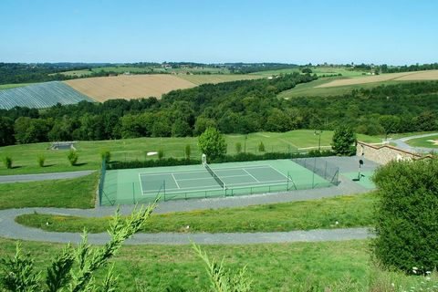 In the Grange of Guichardie you find 4 lovely spacious gites. The pool on site is exclusively for the guests of La Guichardie.
